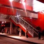 La station peinte en orange il y a quelques années